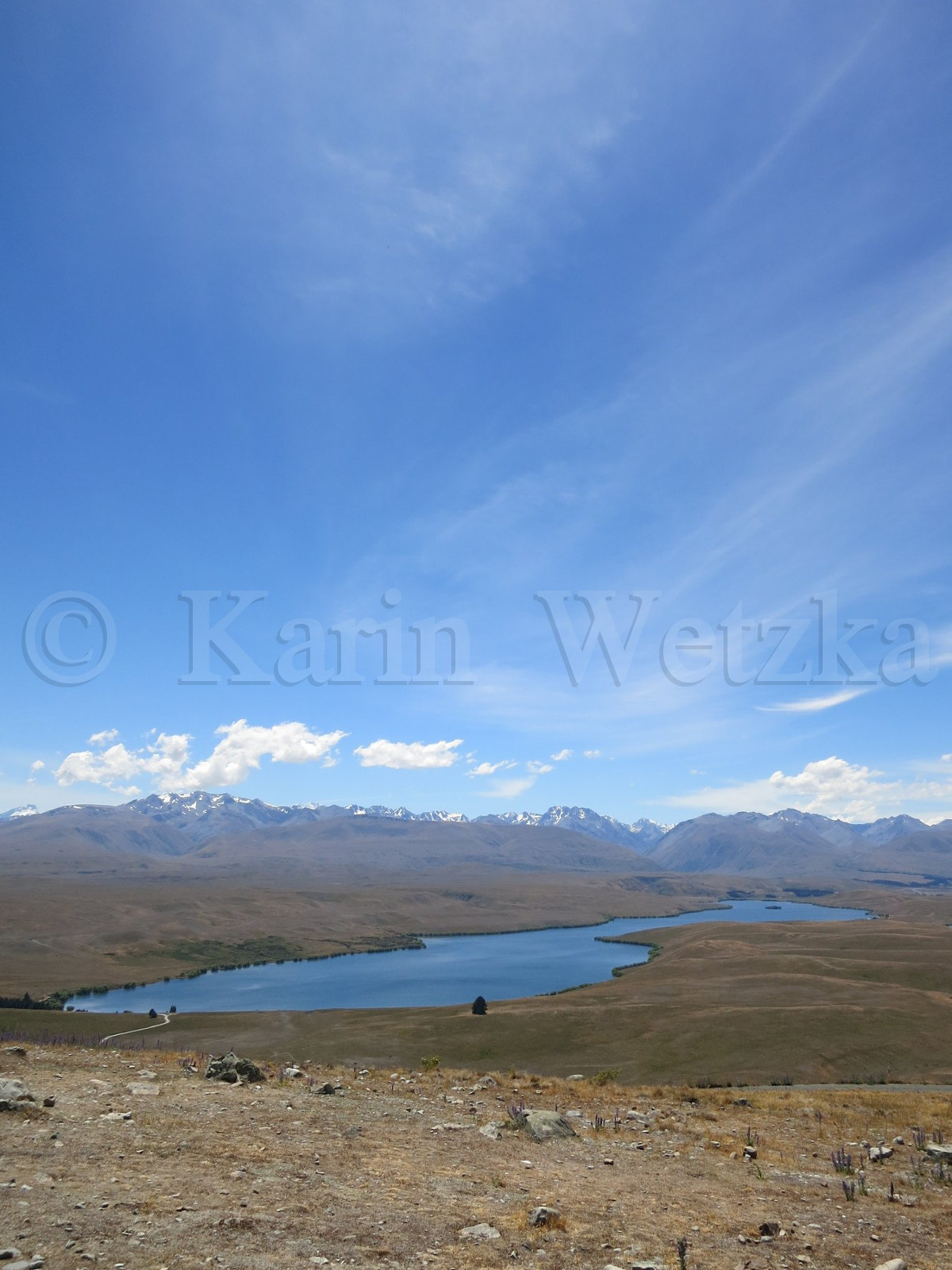 Lake Alexandrina, the dark blue Lake